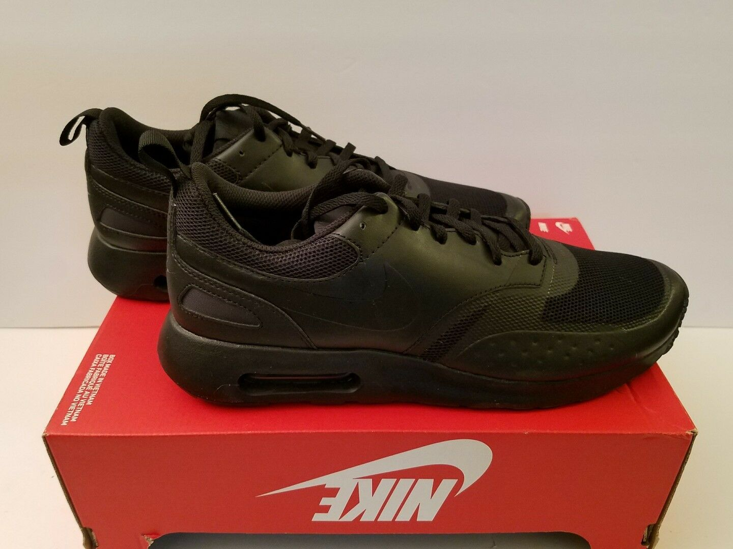 NIKE AIR MAX VISION Size 10.5 MEN'S RUNNING SHOES 918230-001
