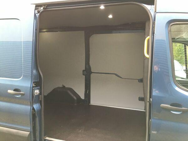 Ford Transit 350 L2 Van 2,0 TDCi 130 Trend aut. H2 FWD - billede 4