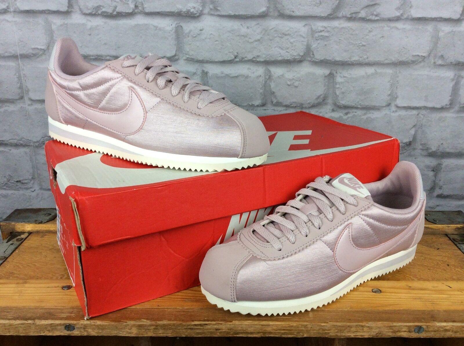 quality design 6c28e 30026 Nike Damas bastante Primrose Rosa Clásico Nylon Cortez se entrenadores