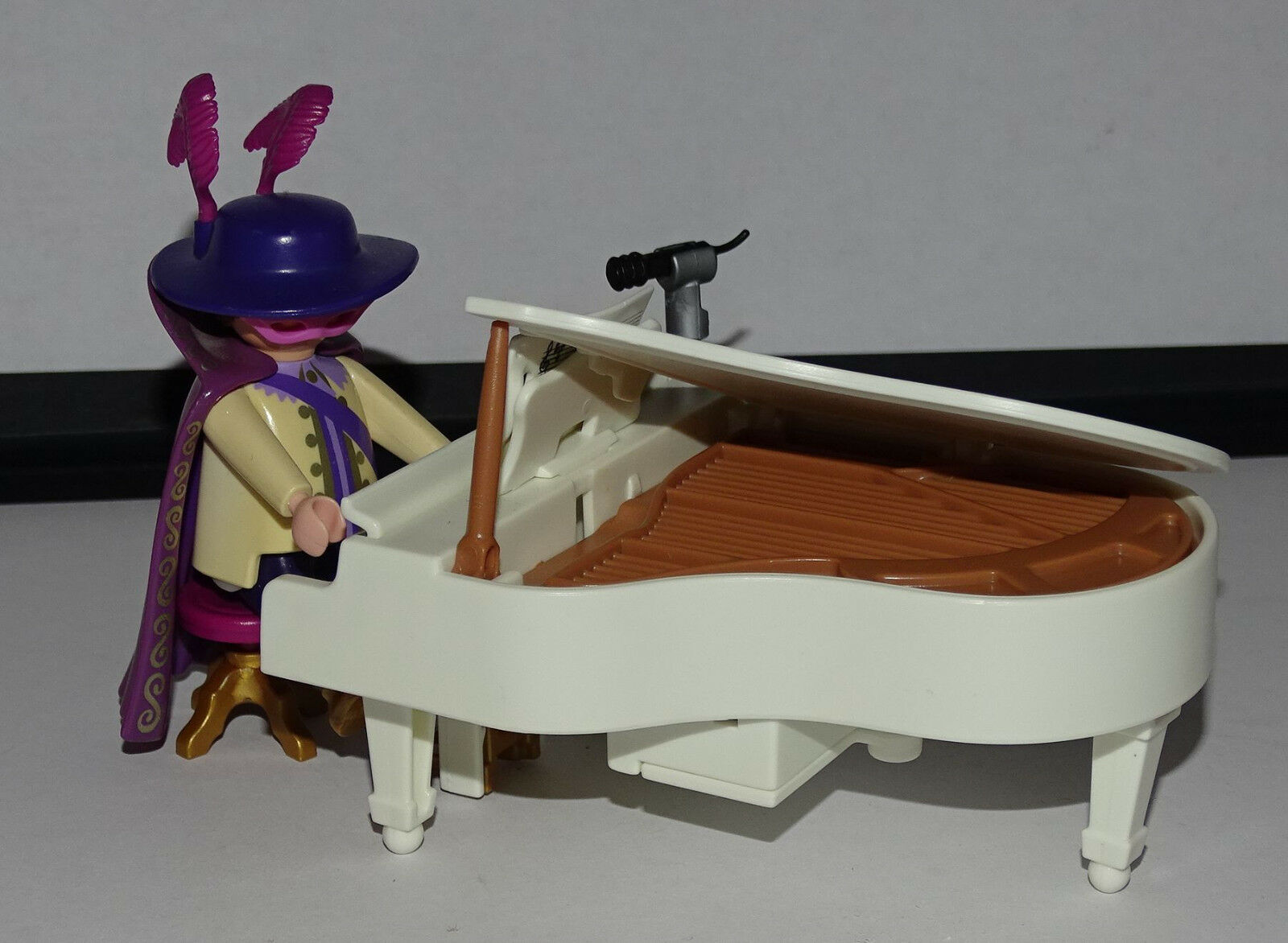 PLAYMOBIL RECONSTITUTION ELTON JOHN    DANCING CHANTEUR PIANO 12c2ec