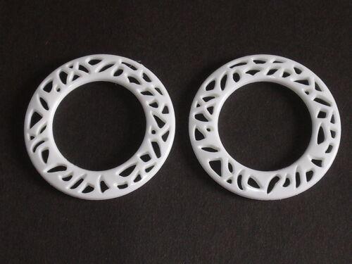 2 Stück Ringe Ring Zierring  5 cm  weiß  Kunststoff  NEUWARE  #784.2#