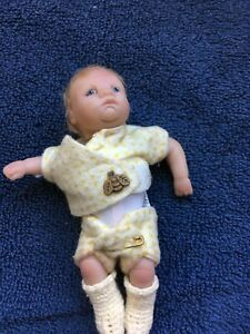 Busy-as-a-Bee-Ashton-Drake-Sweet-as-you-Please-Collection-5-034-Baby-Doll