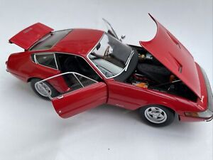 Ferrari 365 GTB/4 Daytona diecast model road car Red 1969 1:18 Kyosho 8161R Box