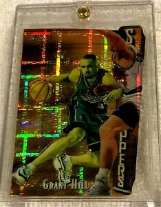 GRANT-HILL-1997-FINEST-EMBOSSED-DIE-CUT-GOLD-ATOMIC-REFRACTOR-SER-23-74-PISTONS