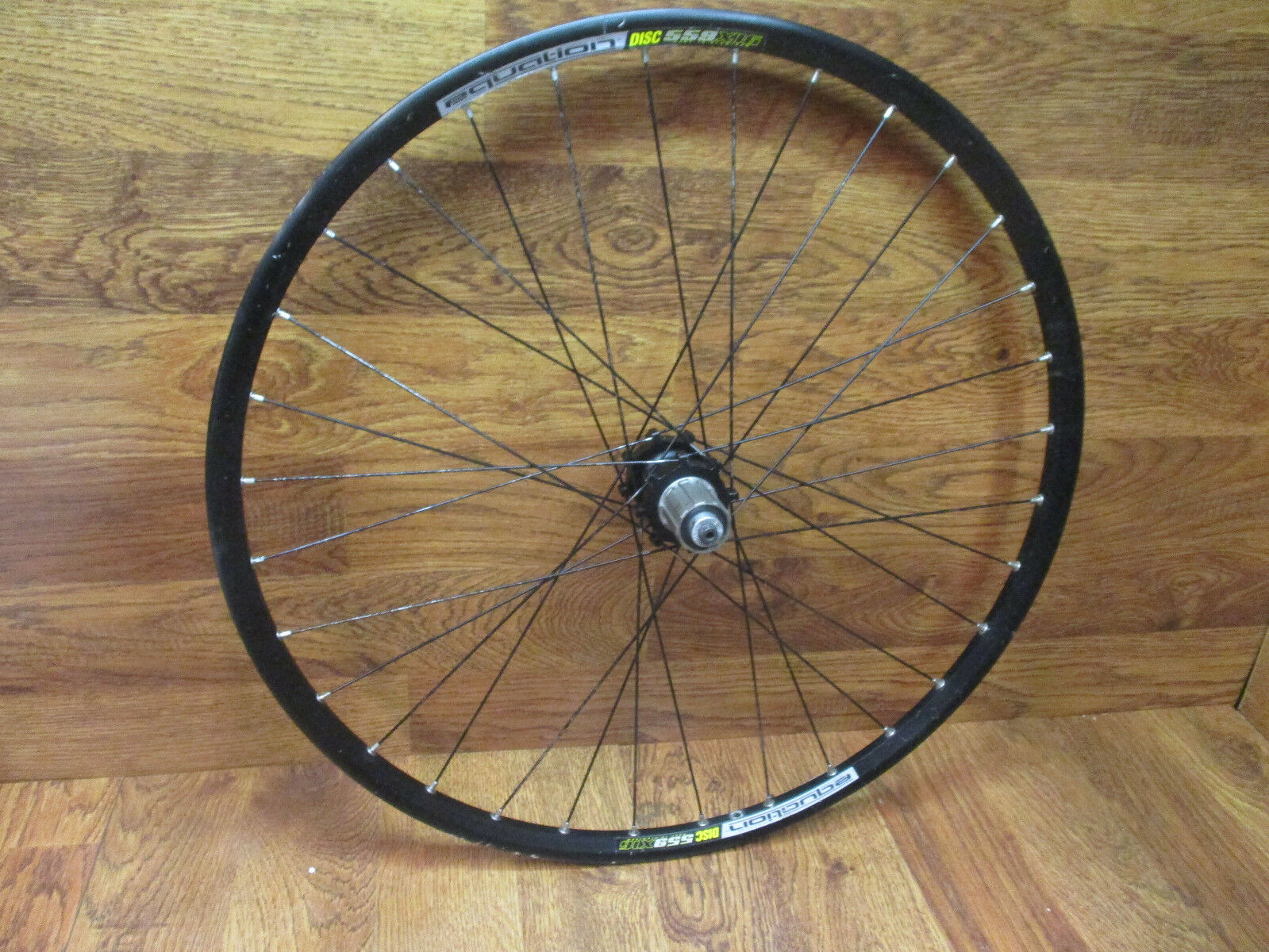 AVENIR EQUATION 559 X116 DISC 6 BOLT 135x9qr 8 9 10 SPD 26  CLINCHER REAR WHEEL