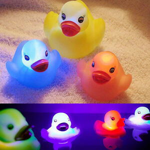 1-x-Flashing-Rubber-Duck-Random-Color-LED-Light-Up-Bath-Tub-Time-Toy-Kids-Baby