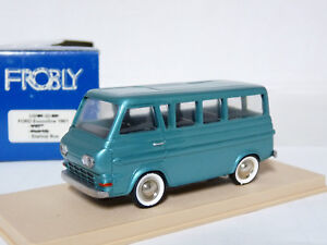 Frobly-US02-1-43-039-61-Ford-Econoline-Station-Bus-Handmade-Resin-Metal-Model-Car