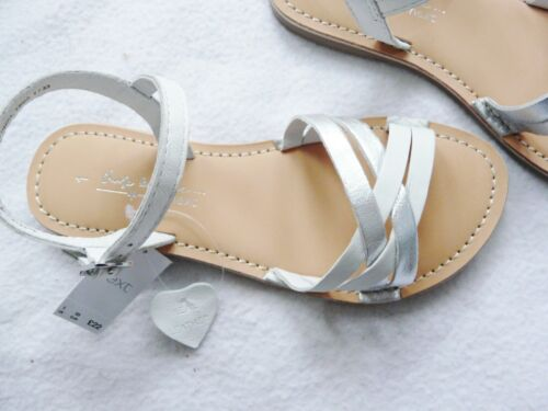 BNWT NEXT Girls 100/% Leather white silver summer occasion ankle strappy sandals