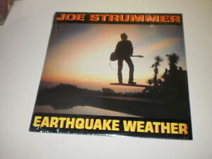 JOE-STRUMMER-EARTHQUAKE-WEATHER-ORIG-1989-LP-MADE-IN-U-S-A-EPIC-OIS