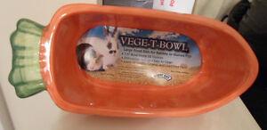 VEGE-T-BOWL CARROT SHAPE LARGE CERAMIC FOOD DISH RABBIT HAMSTERS GUINEA PIGS NEW