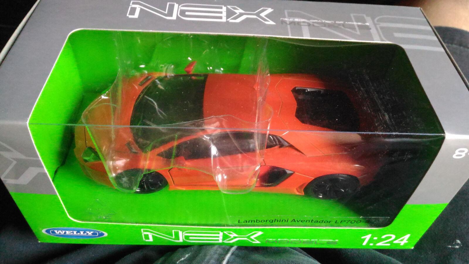 Welly Nex LAMBORGHINI AVENTADOR LP 700-4 1 24 Scala new boxed car