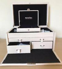 BNWOT Extra Large Pandora Jewellery Box With Key