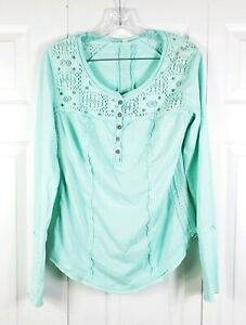 FREE-PEOPLE-womens-size-M-mint-green-long-sleeved-boho-crochet-accent-blouse