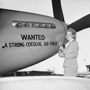OLD-LARGE-PHOTO-of-Jacqueline-Cochran-American-Female-Aviation-Pioneer-1940-17