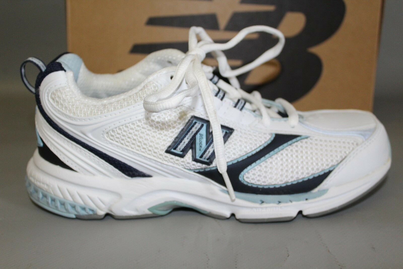 NEW Women's New Balance WW759WB Size 8.5 B White & bluee Supportive Walking shoes