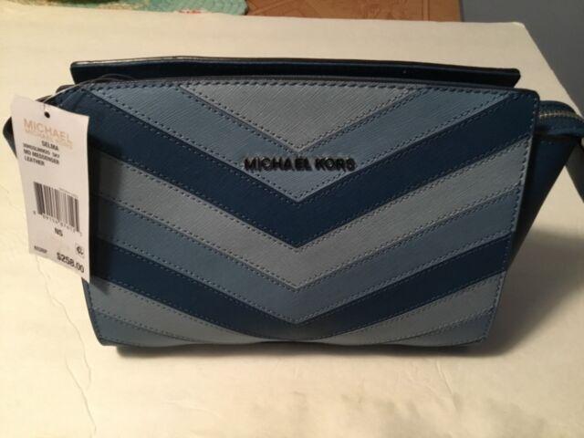 4721656da92a Michael Kors Selma MD Messenger Leather Bag Sky Chevron for sale ...