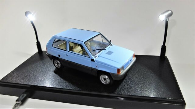 VETRINA VETRINETTA MODELLISMO LED USB MODELLINI AUTO SCALA 1:43 1:24 CAR MODEL