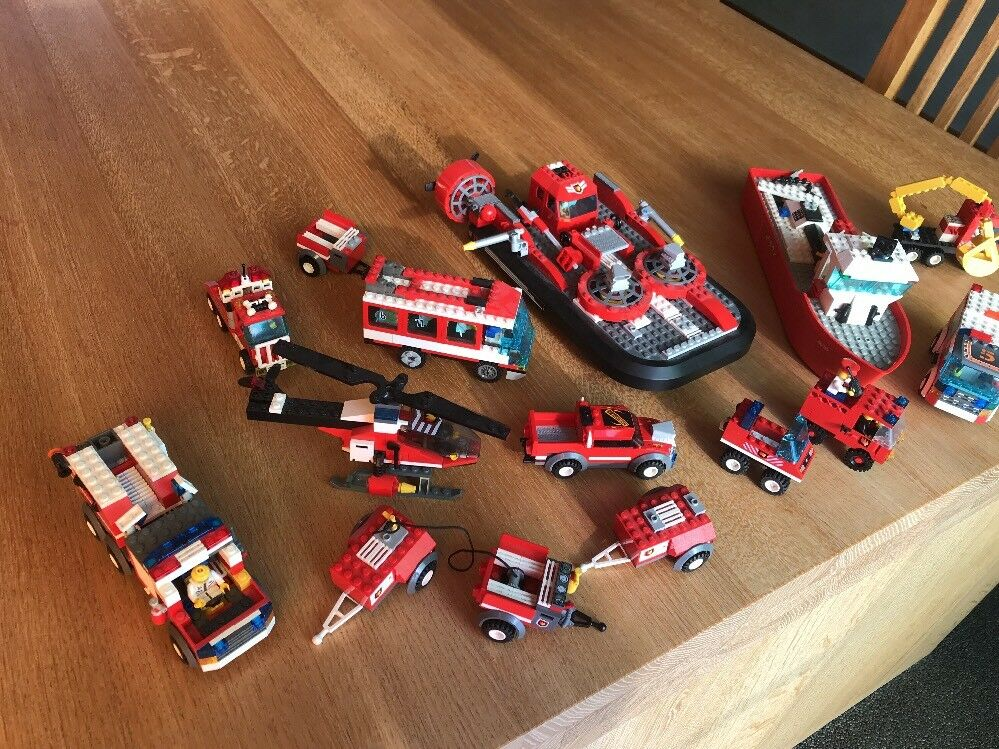 LEGO Feuerwehr gemischte    Auto , Stiefele , Hubschrauber und mehr