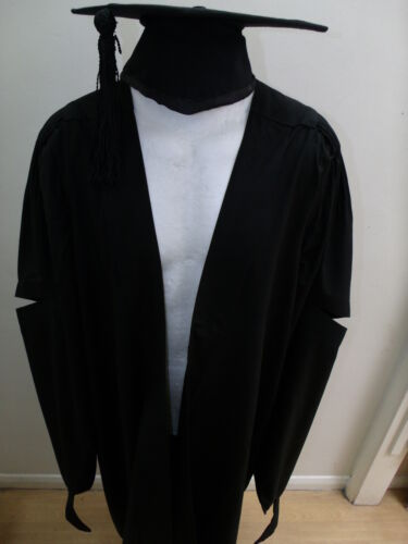 MA Masters Gown /& Mortar Board for University Academic Graduation Package