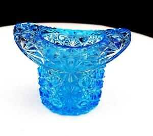 FENTON-GLASS-DAISY-AND-BUTTON-LIGHT-BLUE-TOP-HAT-2-1-2-034-TOOTHPICK-HOLDER-1937-39