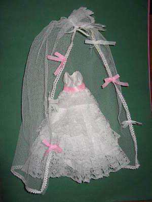 (155) Antico Elegante Bianco-rosa Barbie Vintage Vestito Da Sposa + Velo Molto Bene-+schleier Sehr Gut It-it Mostra Il Titolo Originale Prodotti Di Qualità In Base Alla Qualità