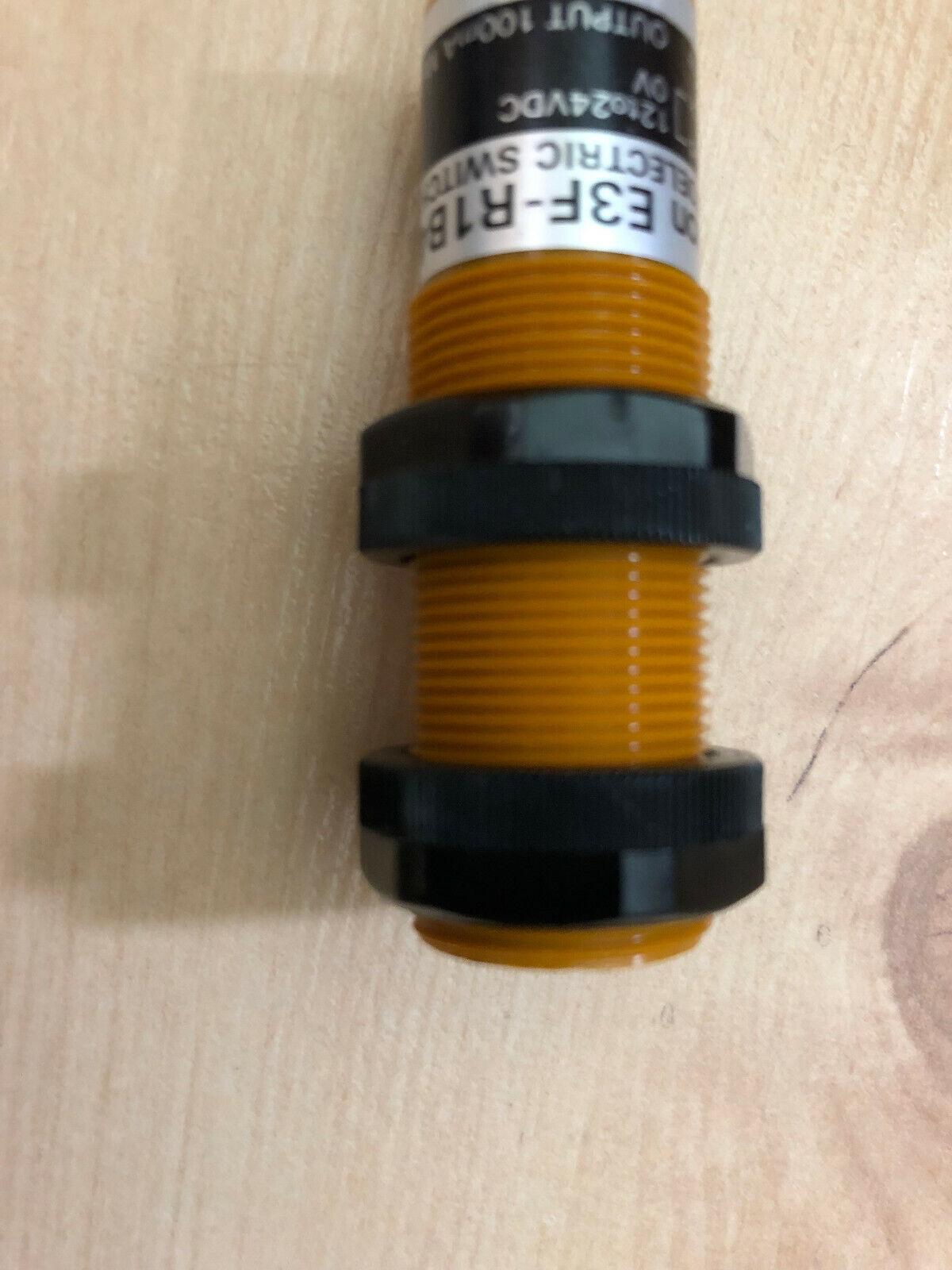 Omron E3F-R1 B4 S Lichtschranke Sensor 2 mit Kabel unbenutzt