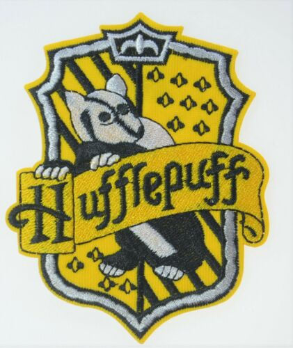 HUFFLEPUFF HARRY POTTER HOGWART CREST EMBROIDERED IRON ON SCHOOL BADGE PATCH