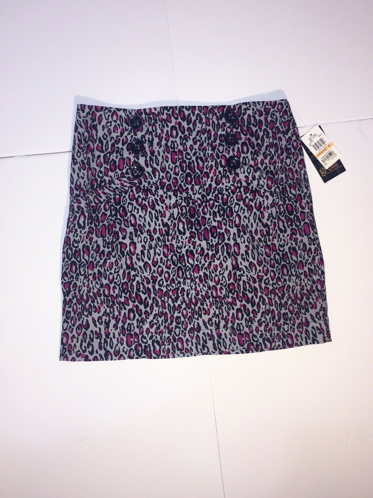 New With Tags  Macy's Grass Collection Cheetah Print Pencil Skirt Juniors Size 7