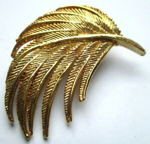 Broche Bijou Vintage Feuille Finement Gravée Couleur Or Poli Brillant 5075