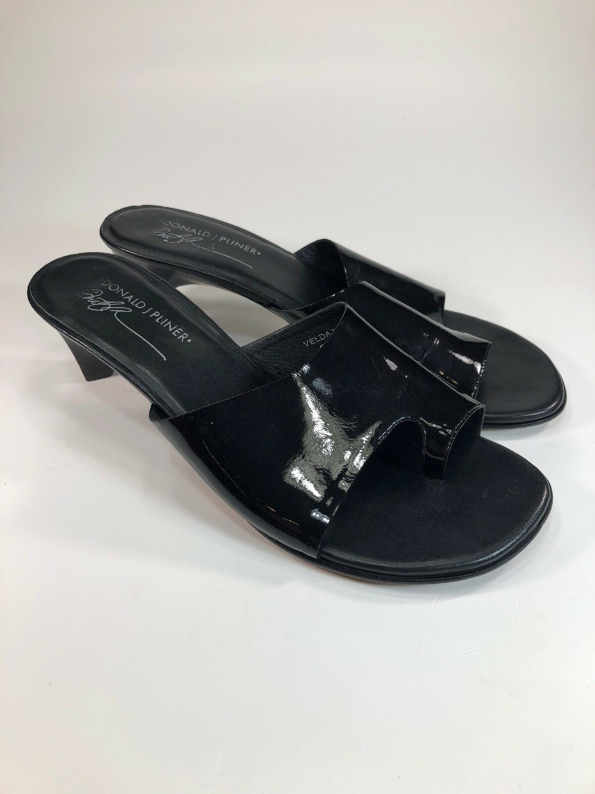 Donald Pliner  198 Velda 2 Black Patent Leather Toe Sandals Womens Size 9.5 M