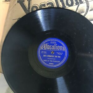 Sons-Of-The-Pioneers-78rpm-10-inch-BEAUTIFUL-VOCALION-LABEL-amp-Sleeve-03881-E