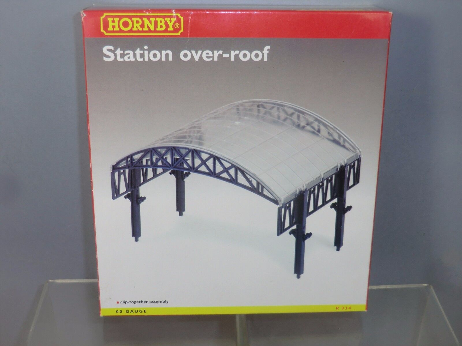 HORNBY RAILWAYS MODEL  R334  STATION   OVER ROOF ( blueE FRAME VERSION ) VN MIB