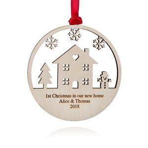 Natale-Personalizzata-NUOVA-casa-di-legno-decorazione-incisa-made-in-UK-13cm-Natale