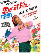 PUBLICITE ADVERTISING 104  1986  EUROPE 1  radio   DOROTHEE  au ZENITH à PARIS