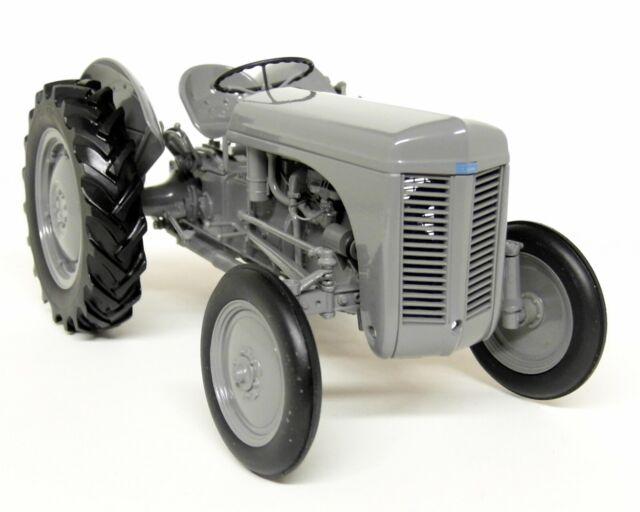 Tractor Massey Ferguson TEA20 1//32 Scale Universal Hobbies 1949 Grey Color Toy