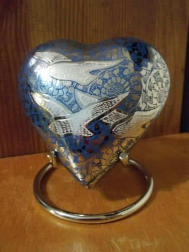 "4/"" Going Home White Doves on Nickel /& Blue Brass Heart Urn~holds up to 12 lbs."