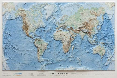 THE WORLD/MONDO 97X65 CM CARTA IN RILIEVO [PLASTICO] L.A.C. 9788879149914