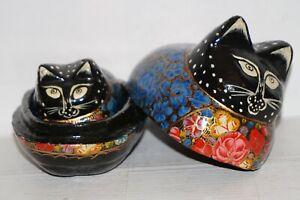 2-Cats-shaped-Vintage-hand-painted-wood-lacquer-paper-mache-trinket-box-Kashmir