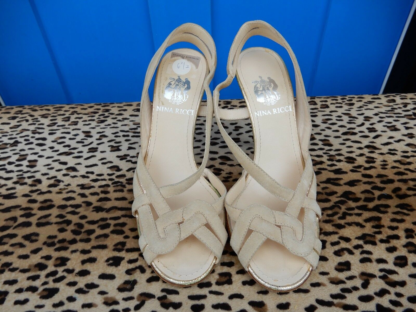 Nina Ricci Talla 37 7 Beige Gamuza Con Con Con Tiras Charol Tacones 4  sandalias de oro acento  descuento de ventas