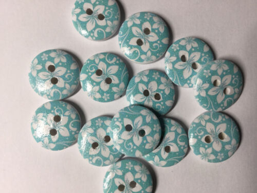 Free UK P/&P 10 wooden Light blue and white Flower buttons 15mm