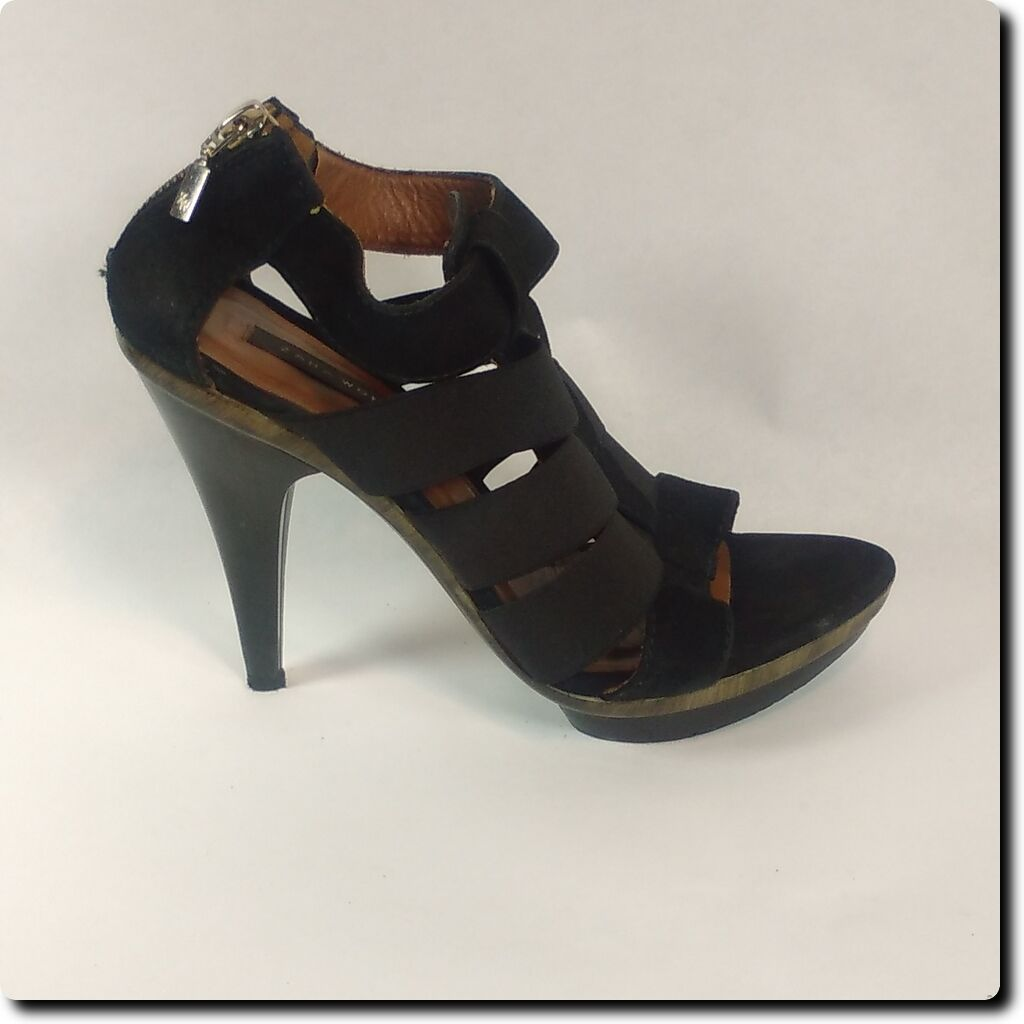 Zara Woman Black Stretch Platforms