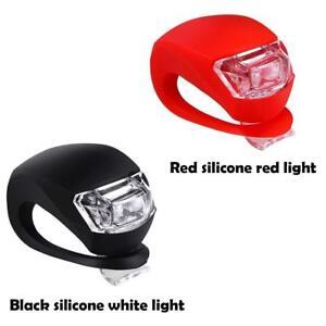 2-LED-IN-SILICONE-MOUNTAIN-BIKE-BICICLETTA-ANTERIORE-POSTERIORE-LUCI-Set-Push-Ciclo-Luce-Clip