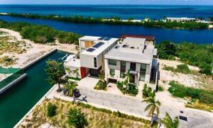 Espectacular casa en venta, Fraccionamiento La Laguna, Cancún