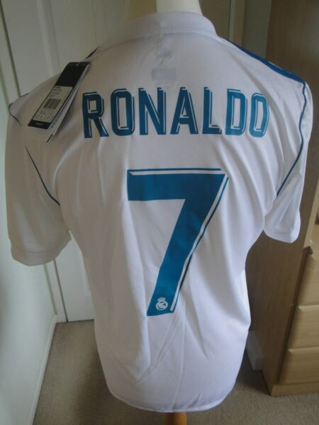 ** ** Ronaldo Real Madrid Home Shirt Bnwt 2017-18 Taglia Media Distintivi Morbido E Leggero