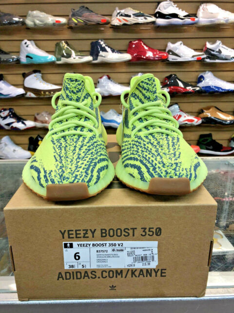 eee3e90ab9263 adidas Yeezy Boost 350 V2 Semi Frozen Yellow B37572 US Size 6 for ...