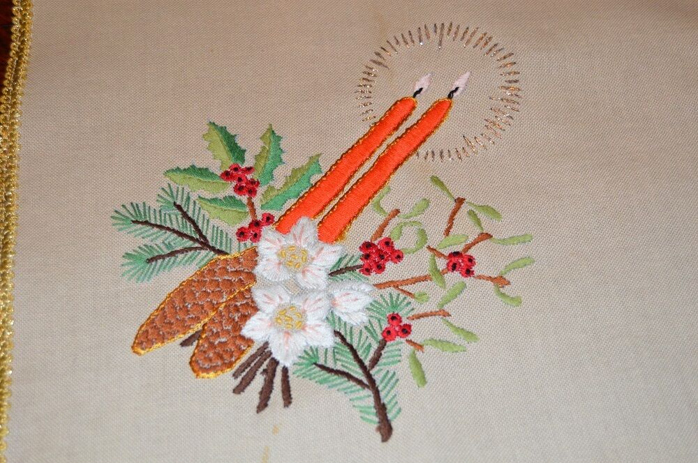 CHRISTMAS AT ITS BRIGHTEST & FINEST  VINTAGE GERMAN HAND EMBROIDErouge TABLECLOTH