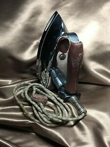 Vintage GE General Electric Iron Model 119F109 with cord. RARE, AC & DC