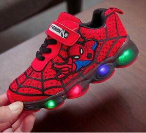 Scarpe-bambini-Luci-Spiderman-Led-Sneakers-Sport-Light-shoes