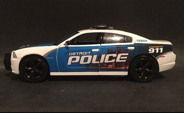 Detroit Police 1 24 Scale Dodge Charger Replica (Cityscape Graphics)