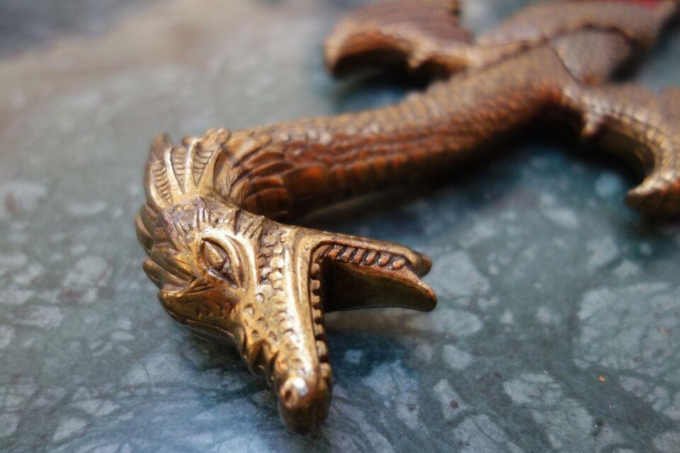 Andre samleobjekter, Pyntedaggert med drage